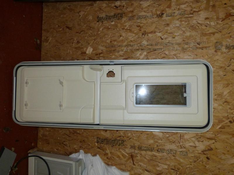 Entry Door Locks >> Bailey Series 6 Hartal Caravan Motorhome Stable Entry Door Frame - External Doors & Locker Boxes ...