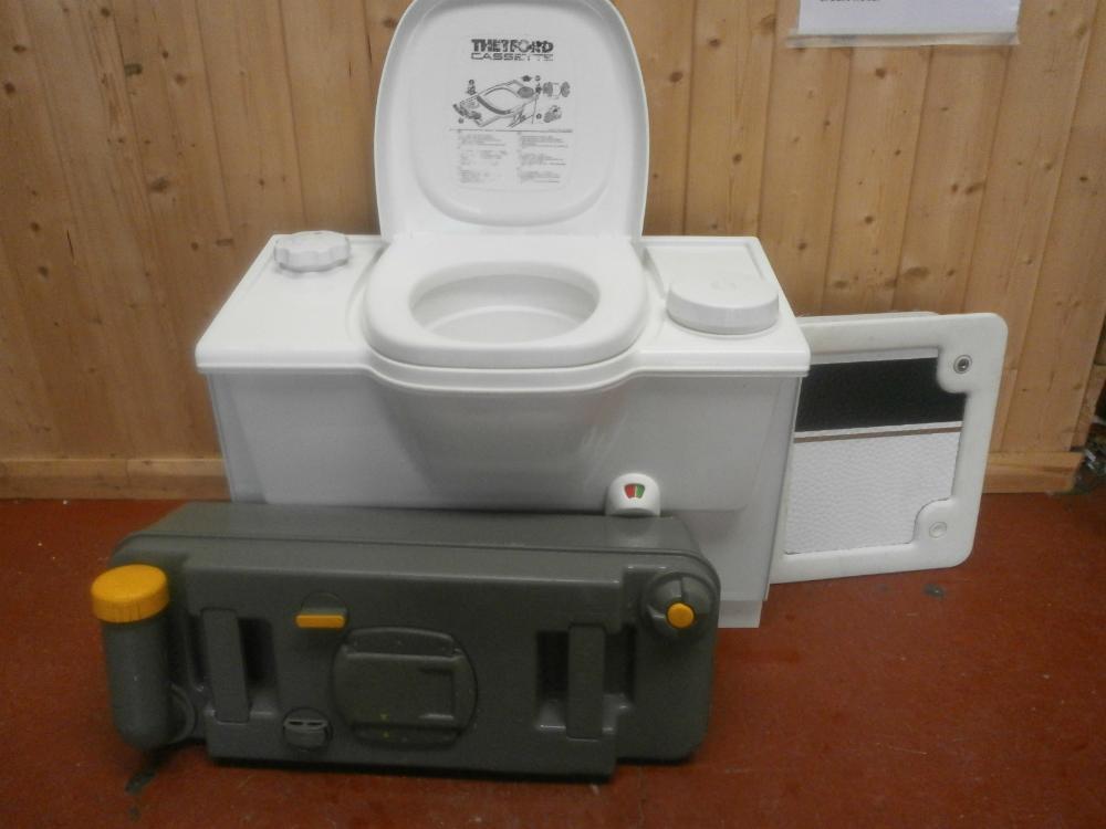 Caravan Motorhome Conversion White Thetford Bench Cassette Toilet ...