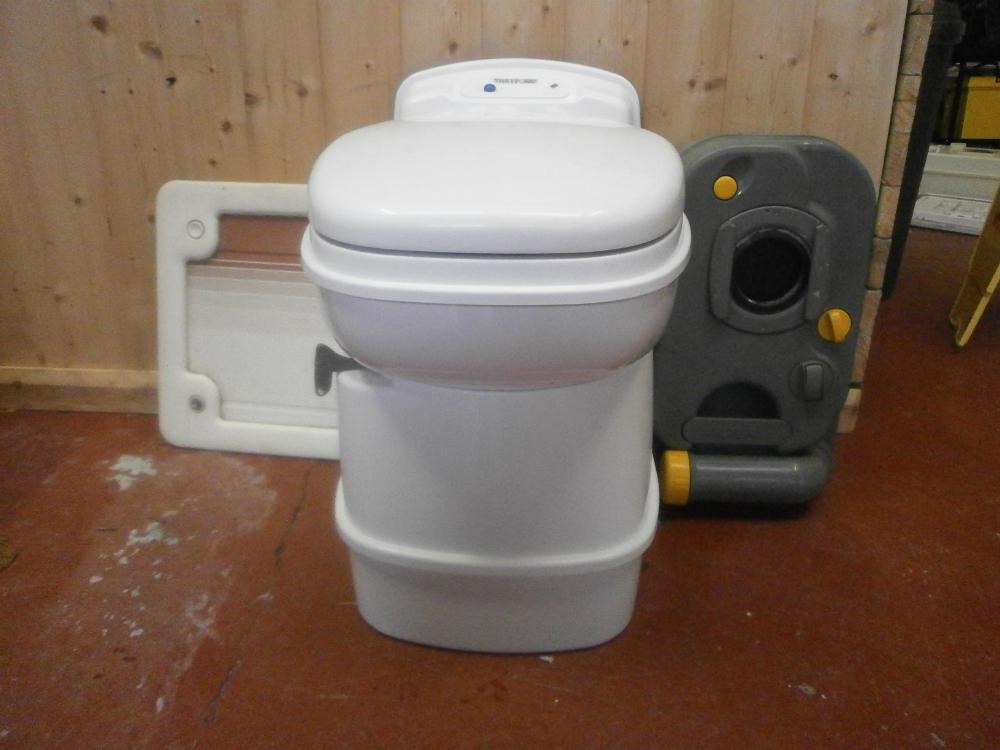 Thetford Cassette Toilet : Caravan thetford swivel bowl cassette toilet electric flush