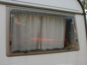 Caravan Abi Award Window- 99x62cm image 1