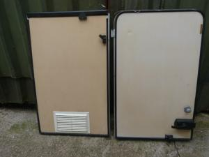 Caravan Motorhome Stable Door With Keys REF DONCSTAT image 1